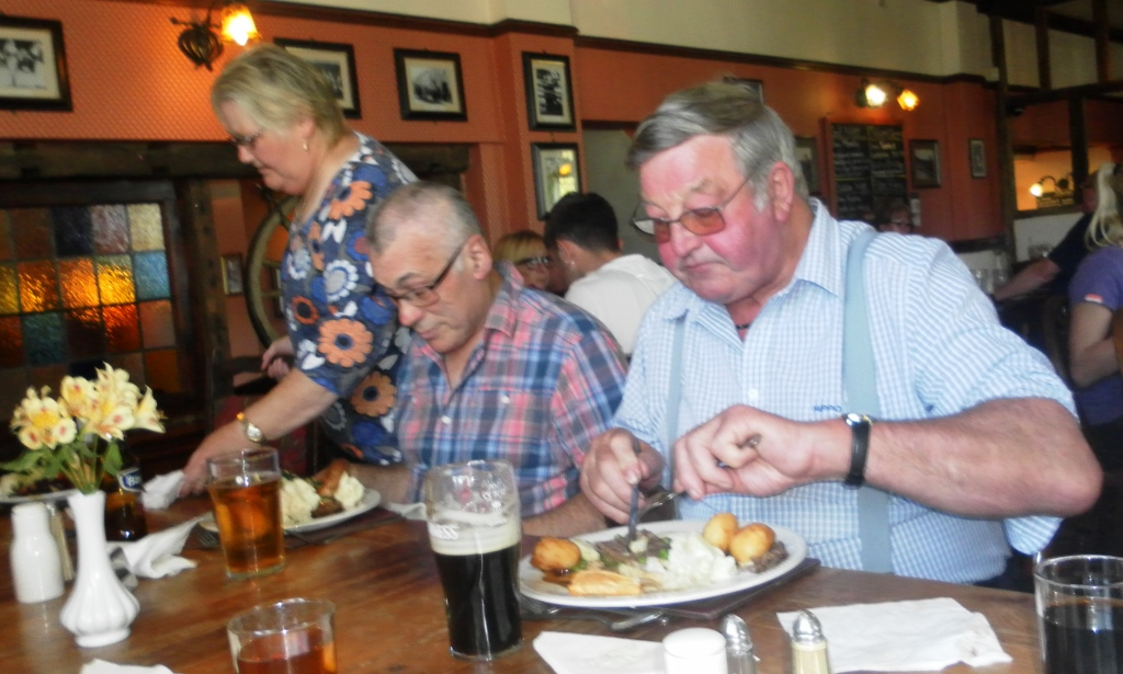 41. Sunday lunch at the pub - Harold tucks in