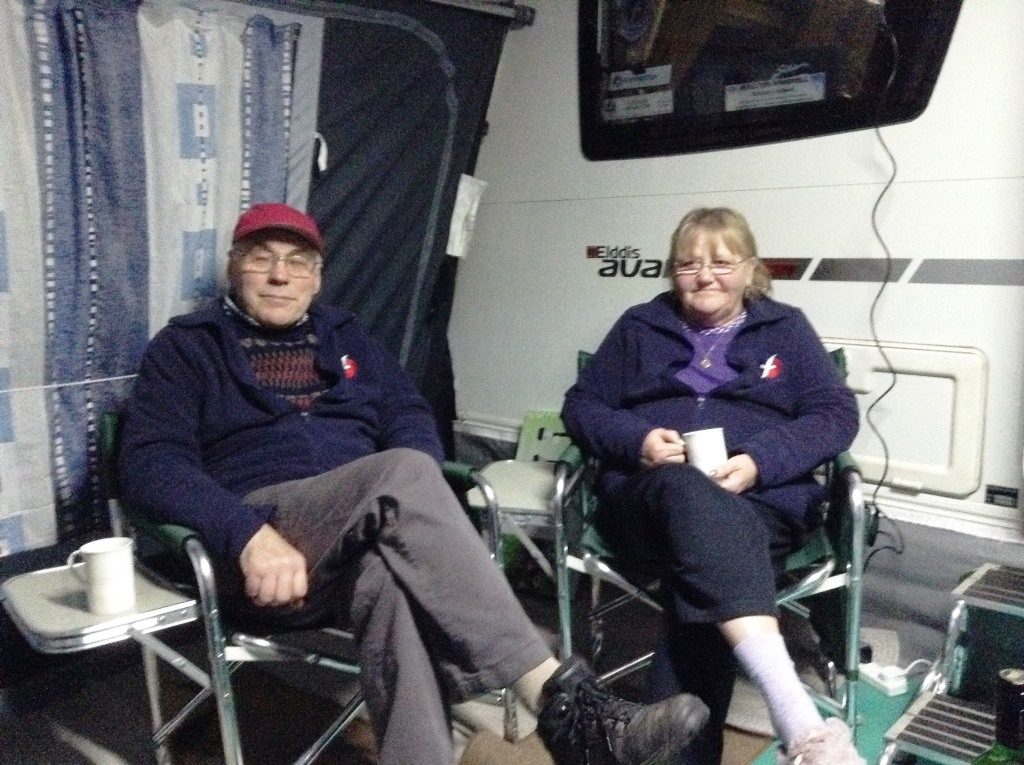 03. Rally Officers Rob and Irene enjoy a cuppa