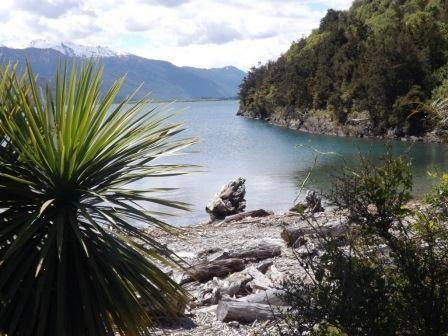 25. Lake Wanaka at Boundary Creek