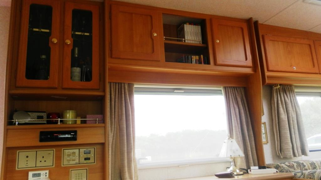 2001 Heritage 600-EB Cupboards