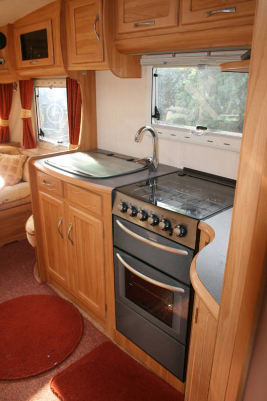 2006 Heritage 640-CB Kitchen