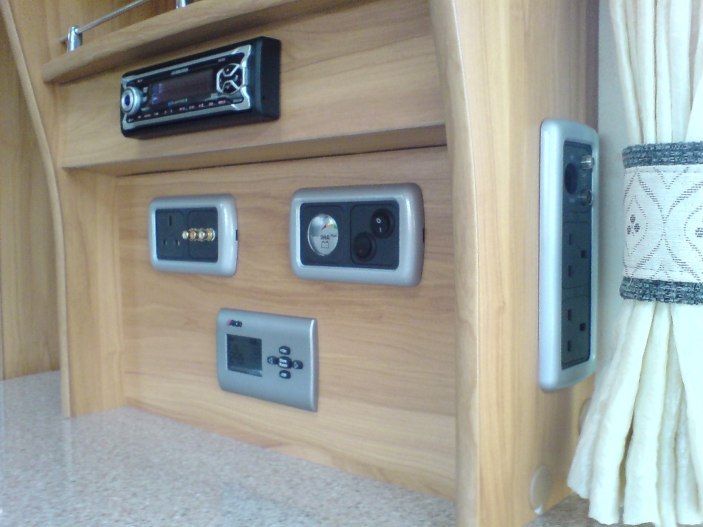2007 Heritage EB Control Panel  and sockets