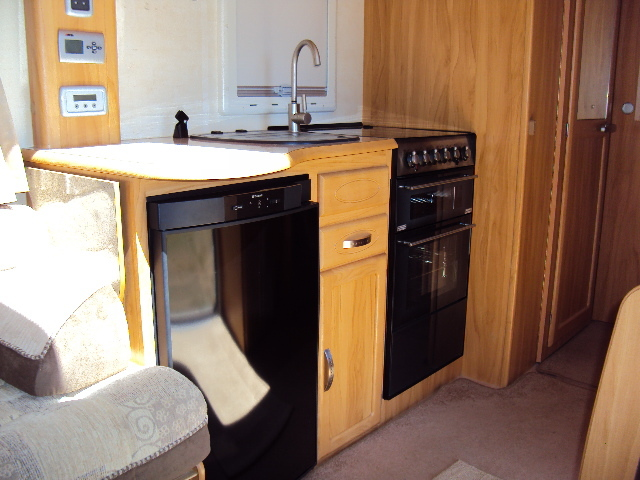 2008 Heritage 560-4 Kitchen