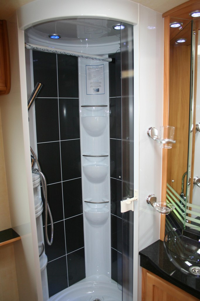 2009 Heritage 640 Shower